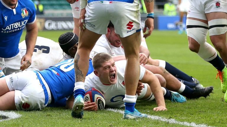 Willis went from the ecstasy of scoring a Six Nations try to the agony of a catastrophic knee injury against Italy in February